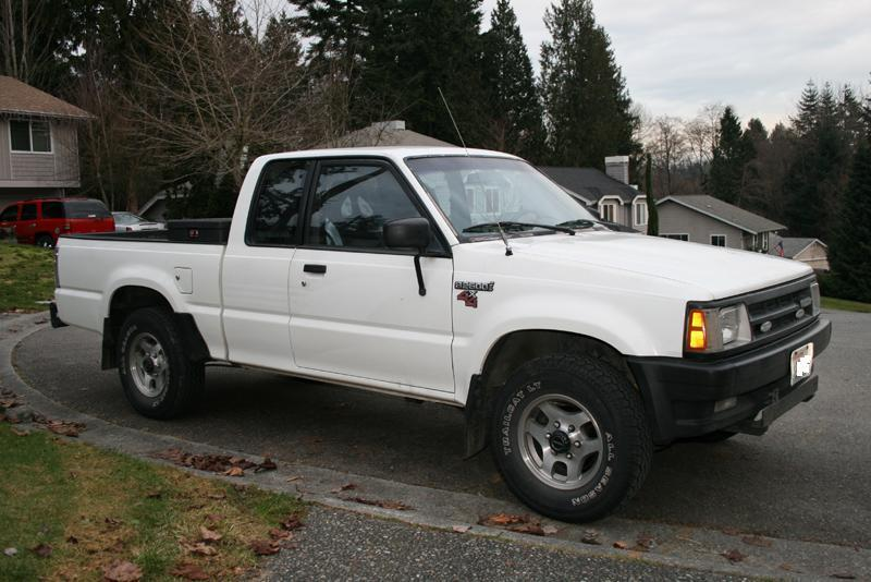 rufuss 1990 Mazda B Series Truck photo
