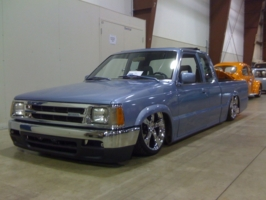 bicks 1987 Mazda B Series Truck photo thumbnail