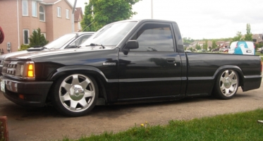 lowb22s 1989 Mazda B Series Truck photo thumbnail