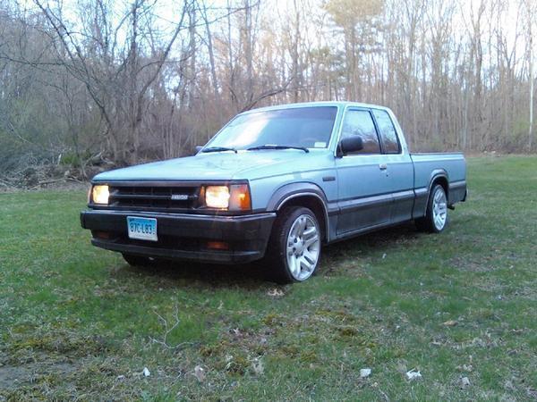 wills 1986 Mazda B Series Truck photo