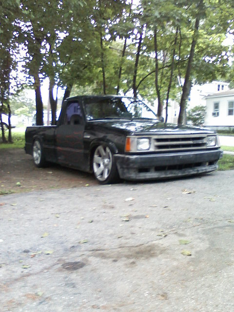 tickys 1989 Mazda B Series Truck photo