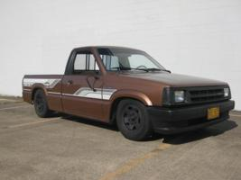 kevintothejs 1986 Mazda B Series Truck photo thumbnail
