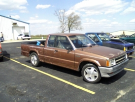 87 brown dawgs 1987 Mazda B Series Truck photo thumbnail