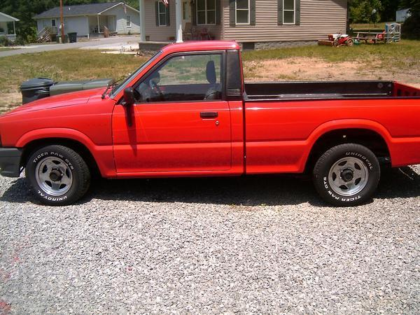 garrettnewsomes 1987 Mazda B Series Truck photo