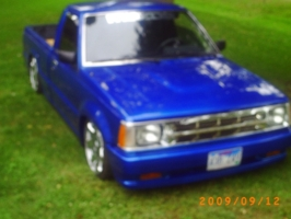 tolow4fatchickss 1987 Mazda B Series Truck photo thumbnail