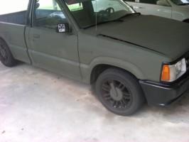 budgetdrifters 1990 Mazda B Series Truck photo thumbnail