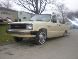 bonewerxs 1983 Mazda B Series Truck photo thumbnail