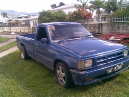 dantoss 1990 Mazda B Series Truck photo thumbnail