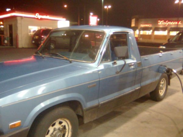 jenn0421s 1984 Mazda B Series Truck photo