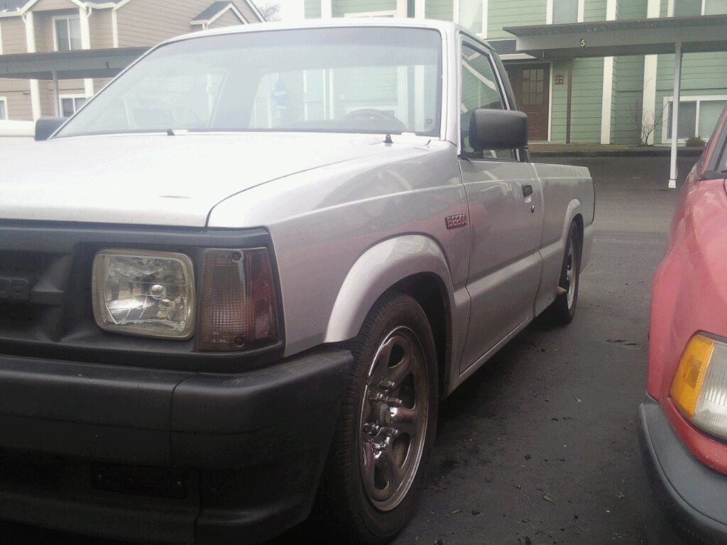 mobzda22s 1989 Mazda B Series Truck photo
