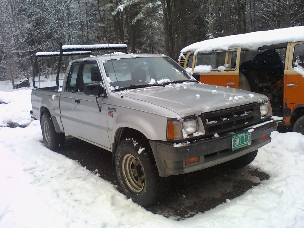 bbokainens 1988 Mazda B Series Truck photo