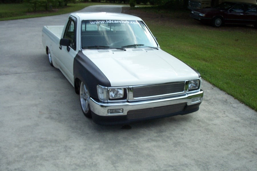 bahas 1991 Toyota Hilux photo
