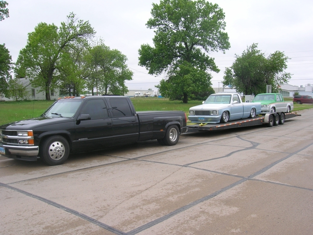 lwrlvls 1998 Chevy 1 ton Dually photo