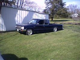 oneupstrucks 1990 Mazda B Series Truck photo thumbnail