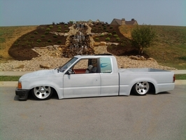 mazdawg8838s 1989 Mazda B Series Truck photo thumbnail