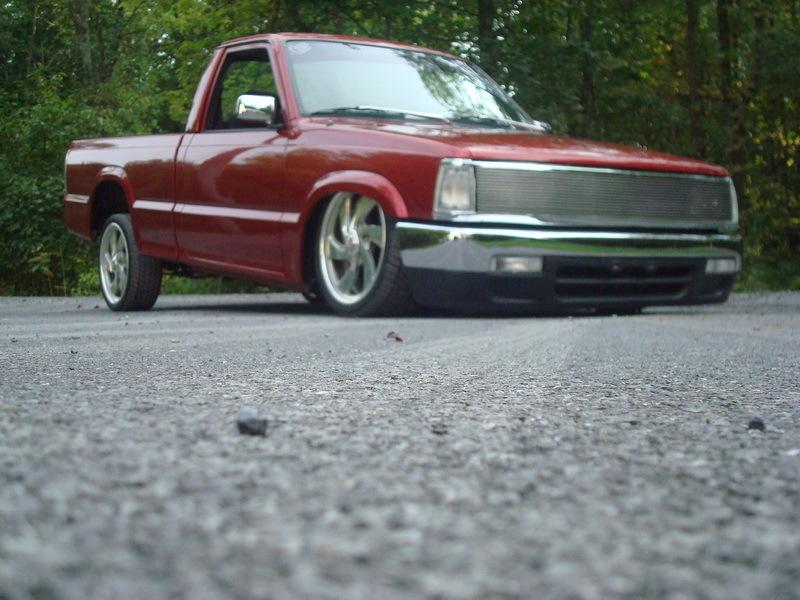 dzminizs 1990 Mazda B Series Truck photo