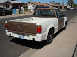 tunas 1987 Mazda B Series Truck photo thumbnail