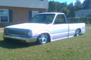 flatout2010s 1989 Mazda B Series Truck photo thumbnail