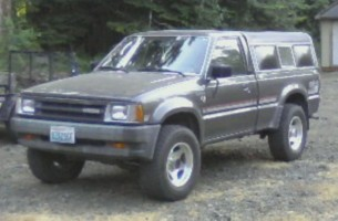 87_b2600s 1987 Mazda B Series Truck photo thumbnail