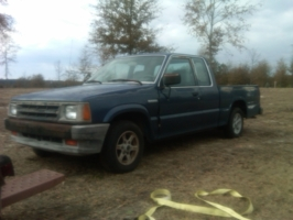 gatoy (chris)s 1989 Mazda B Series Truck photo thumbnail