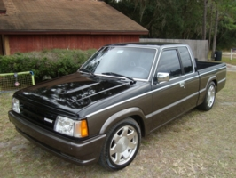 dannygs 1986 Mazda B Series Truck photo thumbnail