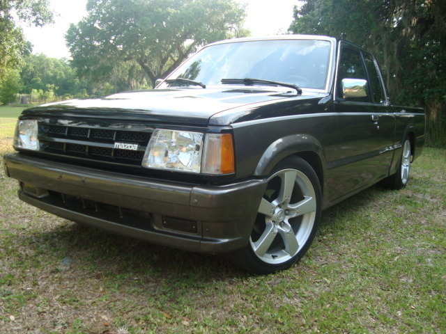 dannygs 1986 Mazda B Series Truck photo