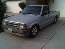 sotos 1989 Mazda B Series Truck photo thumbnail