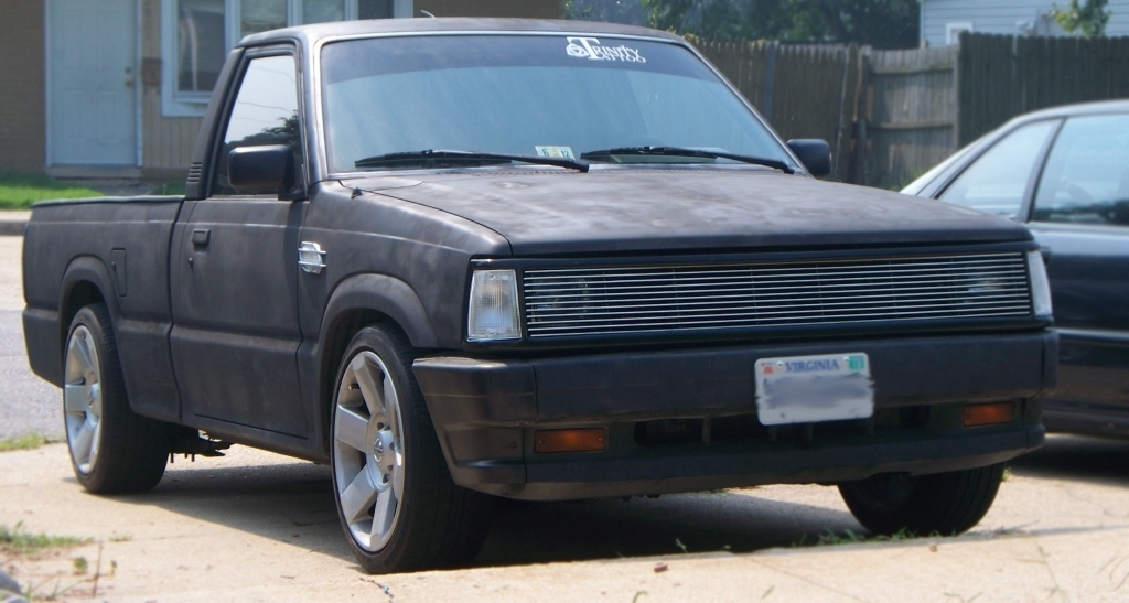 casual ts 1987 Mazda B Series Truck photo
