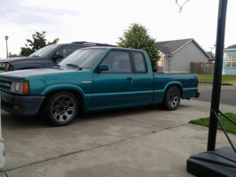 drpdwgns 1992 Mazda B Series Truck photo thumbnail