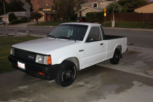 grease_mnkys 1993 Mazda B Series Truck photo thumbnail