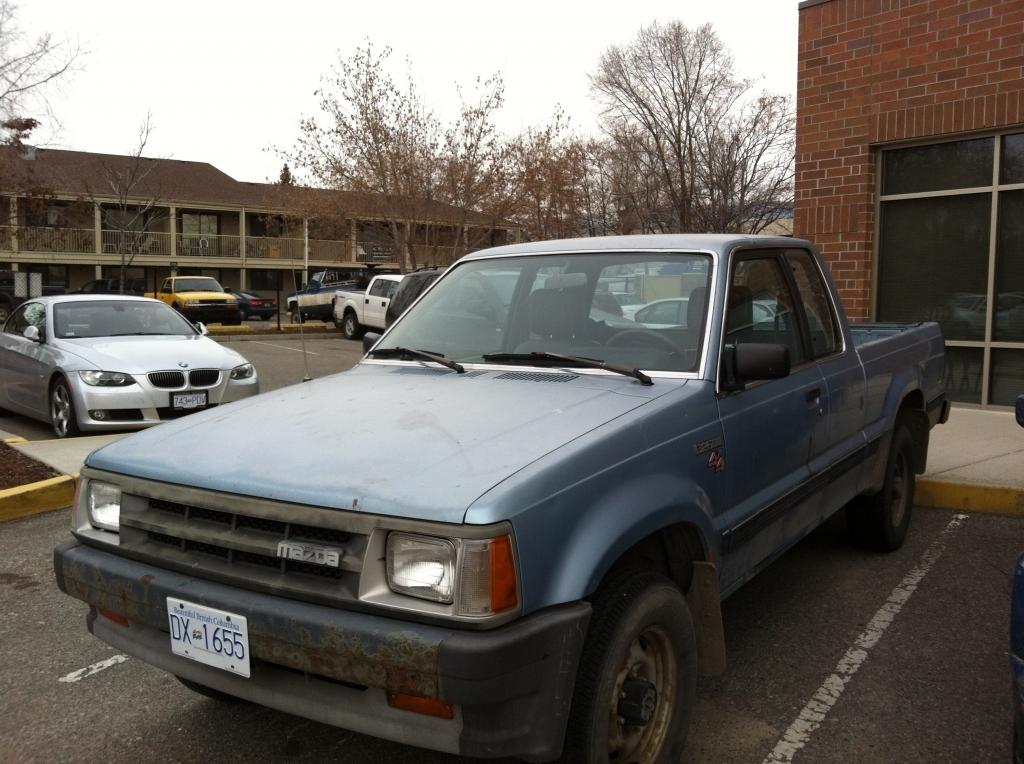 87b2600inbcs 1987 Mazda B Series Truck photo