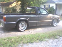 tucknrimmazs 1986 Mazda B Series Truck photo thumbnail