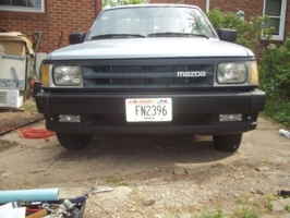 bains 1990 Mazda B Series Truck photo thumbnail