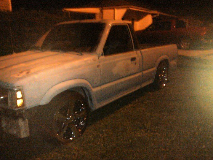standbeneaths 1987 Mazda B Series Truck photo