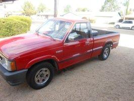 firereds 1990 Mazda B Series Truck photo thumbnail