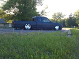 steeldirtlords 1990 Mazda B Series Truck photo thumbnail