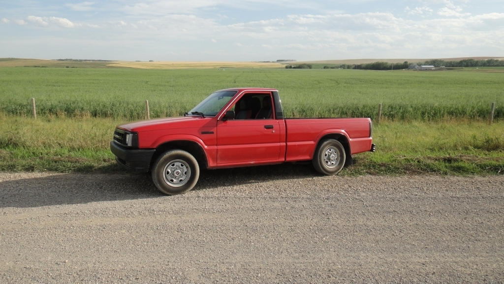 mike15s 1990 Mazda B Series Truck photo