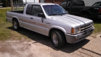 timbs 1989 Mazda B Series Truck photo thumbnail