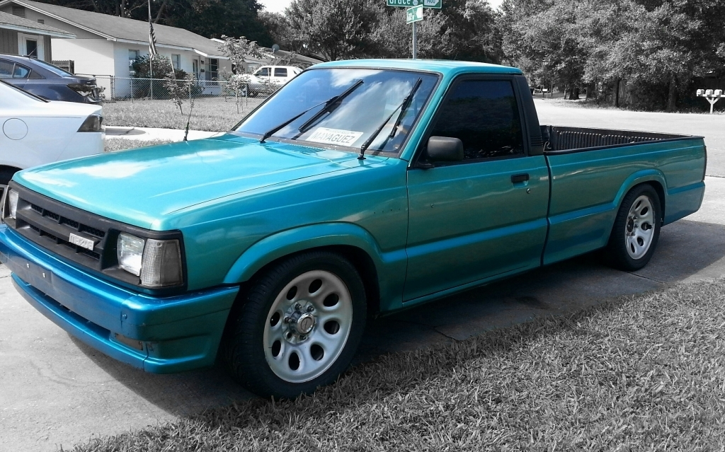 boricuamazda701s 1987 Mazda B Series Truck photo