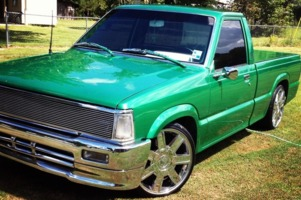 reed_bryants 1986 Mazda B Series Truck photo thumbnail