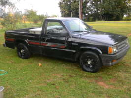 bcstingrays 1989 Mazda B Series Truck photo thumbnail