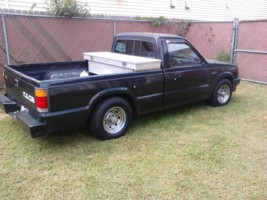 alittlelows 1988 Mazda B Series Truck photo thumbnail
