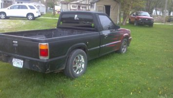 lil302bs 1988 Mazda B Series Truck photo thumbnail