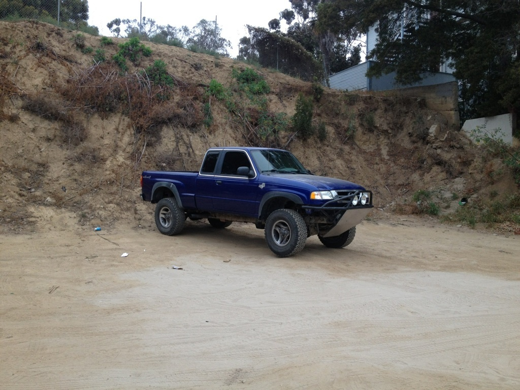 misterowls 2003 Mazda B Series Truck photo