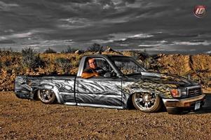 2lowtoys 1994 Toyota Hilux photo thumbnail