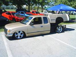 2manyyotass 1996 Toyota Hilux photo thumbnail
