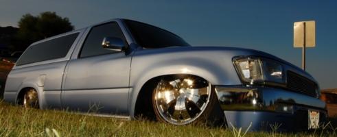 n2bnlows 1994 Toyota Hilux photo thumbnail