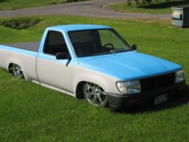 uselesstoys 1993 Toyota Hilux photo thumbnail