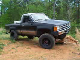 yodaforces 1987 Toyota Hilux photo thumbnail