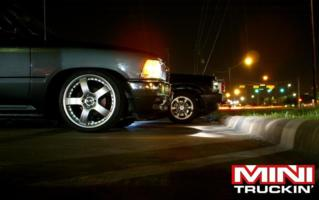 twisted customzs 1993 Toyota Hilux photo thumbnail